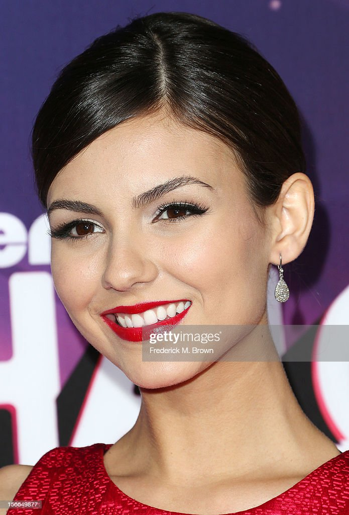 Actress Victoria Justice attends the TeenNick HALO Awards at The Hollywood Palladium on November 17, 2012 in Los Angeles, California.
