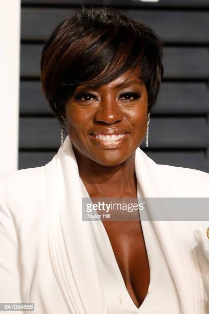 Actress Viola Davis attends the 2017 Vanity Fair Oscar Party at Wallis Annenberg Center for the Performing Arts on February 26 2017 in Beverly Hills...