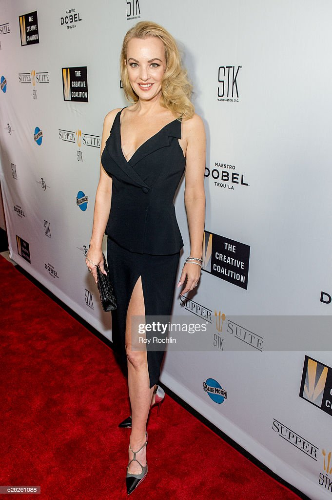 Actress Wendi McLendon-Covey attends The Creative Coalition's Night Before Dinner at The Supper Suite by STK on April 29, 2016 in Washington, DC.