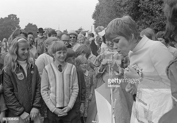 Actress Wendy Craig paid a visit to Warwick to open the Emscote Lawn School Elizabethan Fair Miss Craig said The education of our children is one of...
