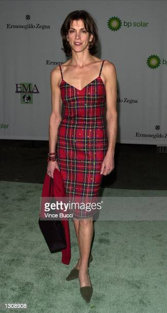 Actress Wendy Malick arrives at the Tenth Annual Environmental Media Awards December 6 2000 in Santa Monica CA