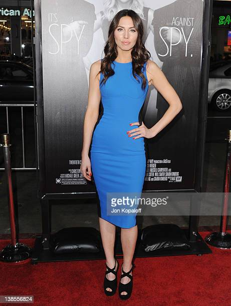 """Actress Whitney Cummings arrives at the Los Angeles Premiere """"This Means War"""" at Grauman's Chinese Theatre on February 8, 2012 in Hollywood,..."""
