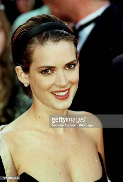 Actress Winona Ryder wearing an Armani dress arrives for the 72nd Annual Academy Awards [The Oscars] at the Shrine Auditorium in Los Angeles USA...