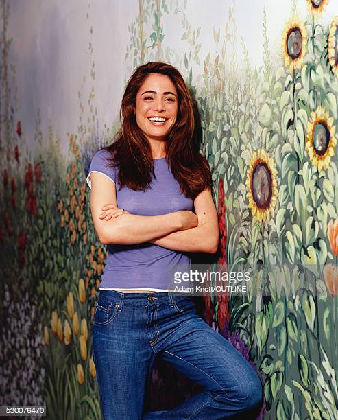 actress yancy butler in jeans and purple t-shirt - yancy butler stock pictures, royalty-free photos & images