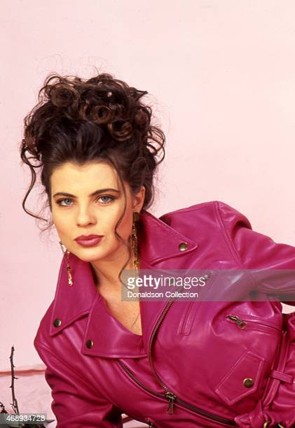 Actress Yasmine Bleeth poses for a portrait session in 1995 in Los Angeles California