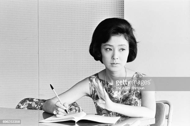 Actress Yoko Nogiwa speaks during the Asahi Shimbun interview in July 20 1962 in Tokyo Japan