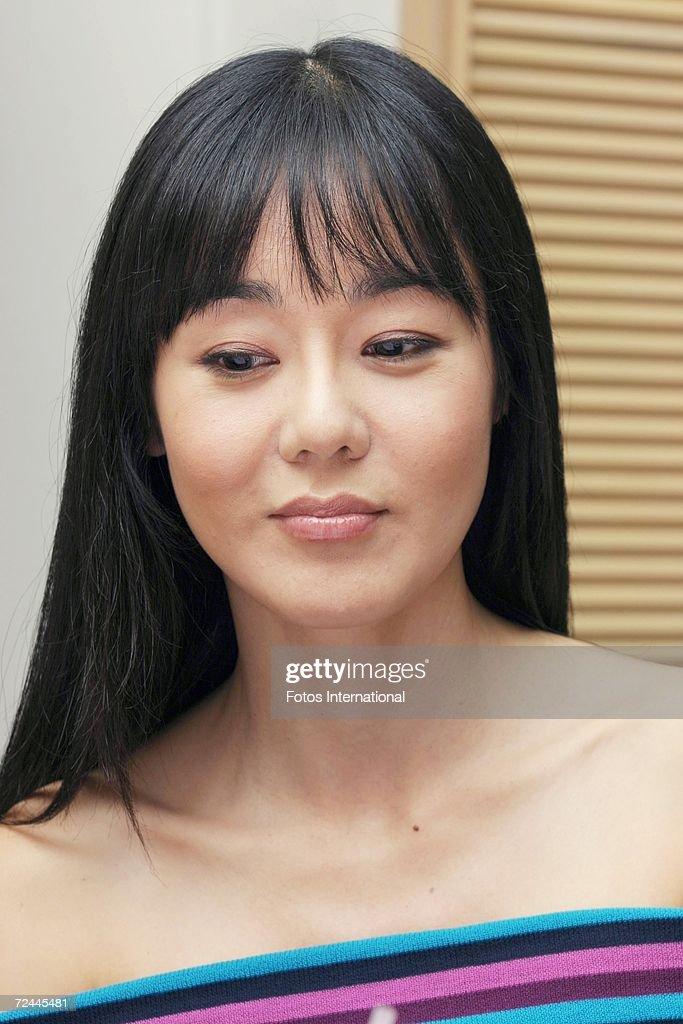 Yoon-jin Kim Nude Photos 20