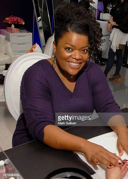Actress Yvette Nicole Brown attends the CVS Pharmacy Beauty Club at the Access Hollywood Stuff You Must Lounge produced by On 3 Productions at the...