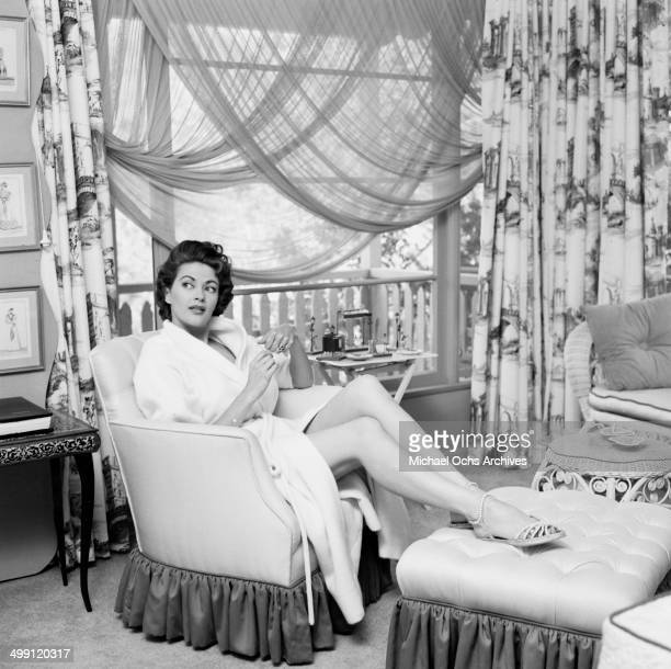 Actress Yvonne De Carlo poses at home in Los Angeles California