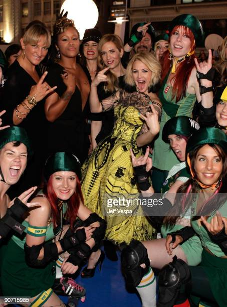 Actress Zoe Bell actress Eve actress Kristen Wiig director Drew Barrymore and the roller derby team attend theWhip It Premiere at the Ryerson Theatre...
