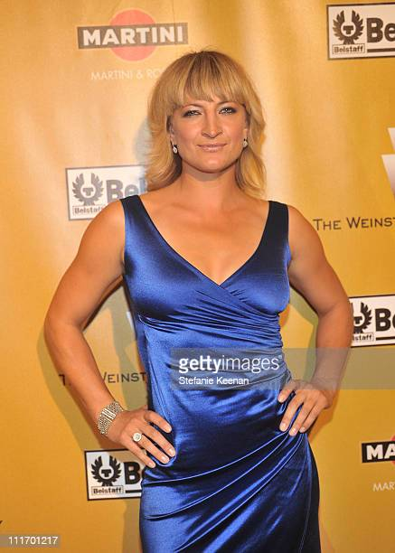 Actress Zoe Bell arrives at the Weinstein Company Golden Globes after party cohosted by Martini held at BAR 210 at The Beverly Hilton Hotel on...