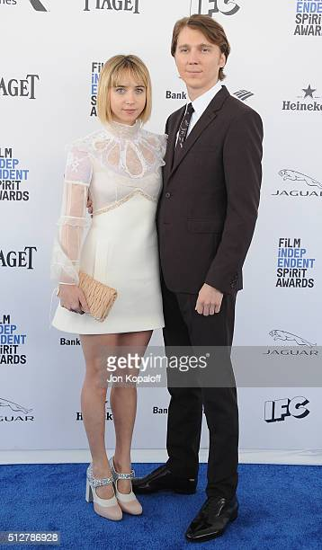 Actress Zoe Kazan and actor Paul Dano arrive at the 2016 Film Independent Spirit Awards on February 27 2016 in Los Angeles California