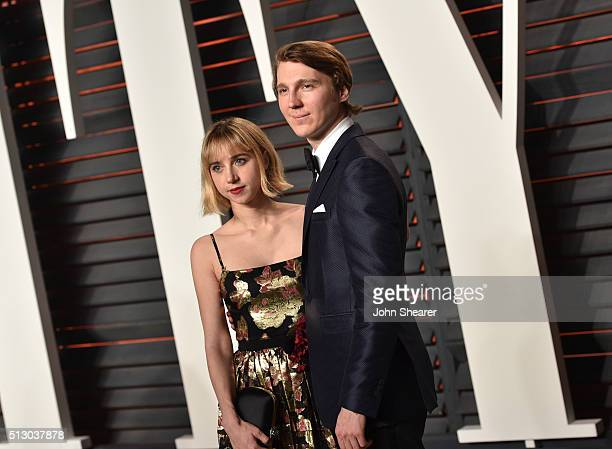Actress Zoe Kazan and actor Paul Dano arrive at the 2016 Vanity Fair Oscar Party Hosted By Graydon Carter at Wallis Annenberg Center for the...