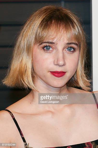 Actress Zoe Kazan arrives at the 2016 Vanity Fair Oscar Party Hosted by Graydon Carter at the Wallis Annenberg Center for the Performing Arts on...
