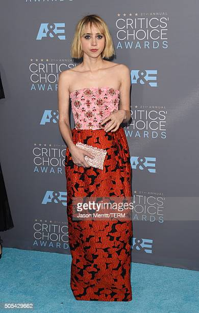 Actress Zoe Kazan attends the 21st Annual Critics' Choice Awards at Barker Hangar on January 17 2016 in Santa Monica California