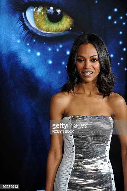 Actress Zoe Saldana arrives at the premiere of 'Avatar' at the Grauman's Chinese Theatre in the Hollywood section of Los Angeles California on...