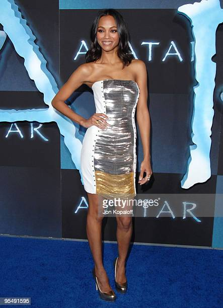 Actress Zoe Saldana arrives to the Los Angeles Premiere 'Avatar' at Grauman's Chinese Theatre on December 16 2009 in Hollywood California