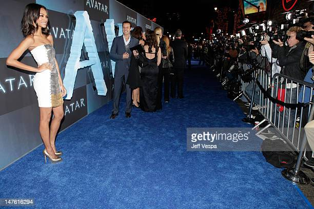 Actress Zoe Saldana attends the 'Avatar' Los Angeles premiere at Grauman's Chinese Theatre on December 16 2009 in Hollywood California