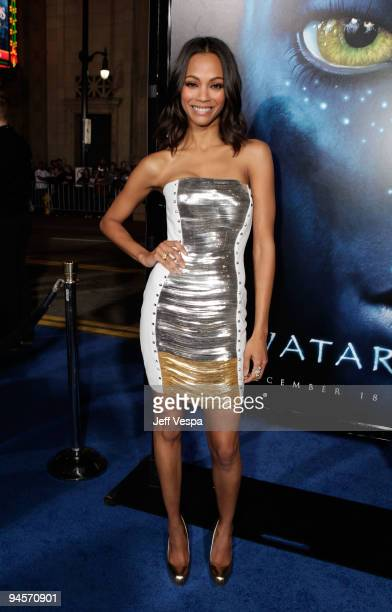 Actress Zoe Saldana attends the Avatar Los Angeles premiere at Grauman's Chinese Theatre on December 16 2009 in Hollywood California