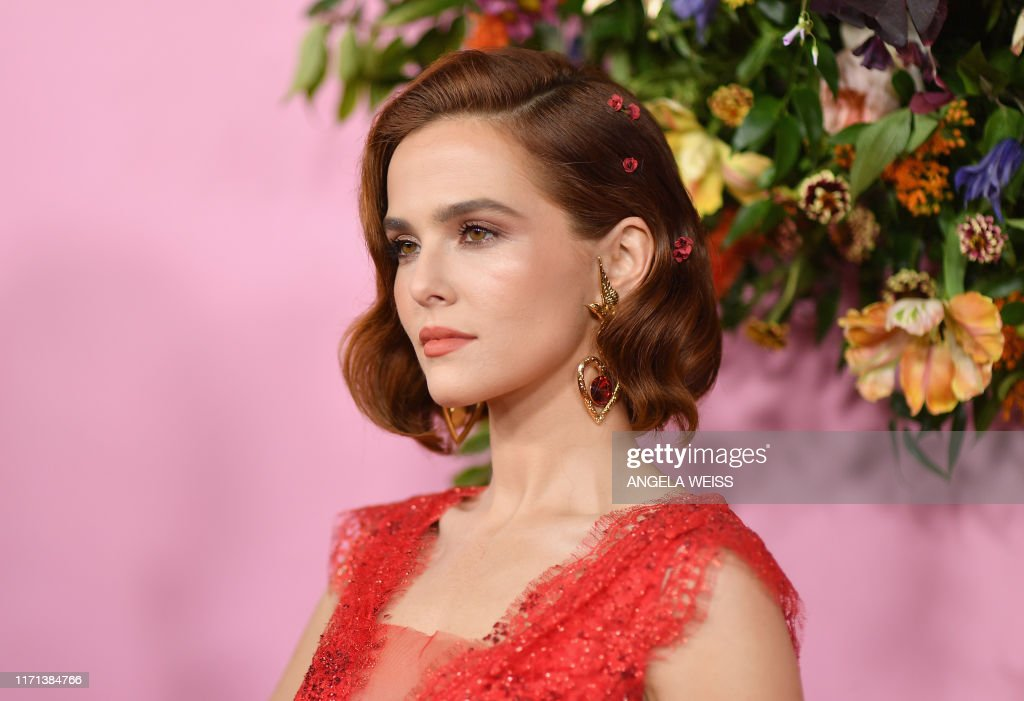 Us Actress Zoey Deutch Arrives For The Netflix Premiere Of