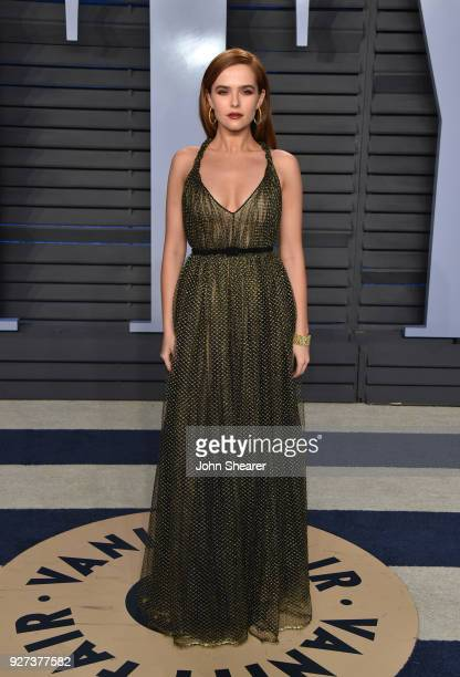 Actress Zoey Deutch attends the 2018 Vanity Fair Oscar Party hosted by Radhika Jones at Wallis Annenberg Center for the Performing Arts on March 4...