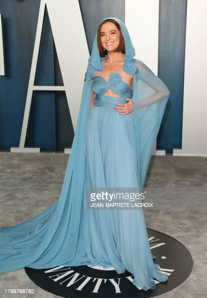 Actress Zoey Deutch attends the 2020 Vanity Fair Oscar Party following the 92nd Oscars at The Wallis Annenberg Center for the Performing Arts in...
