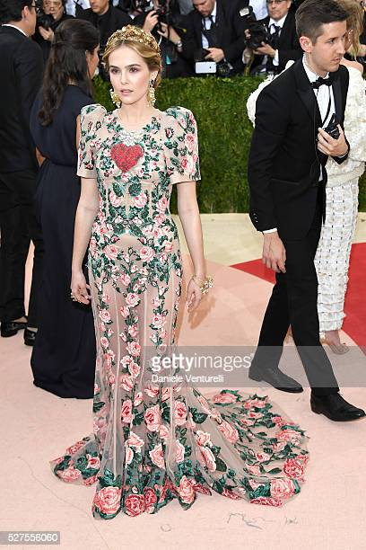 """Actress Zoey Deutch attends the """"Manus x Machina: Fashion In An Age Of Technology"""" Costume Institute Gala at Metropolitan Museum of Art on May 2,..."""