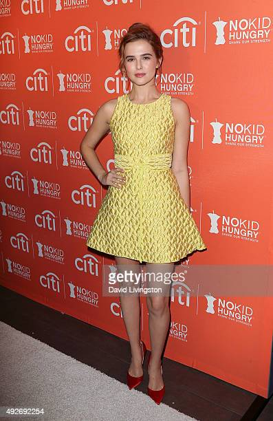 Actress Zoey Deutch attends the No Kid Hungry Benefit Dinner at Four Seasons Hotel Los Angeles at Beverly Hills on October 14 2015 in Los Angeles...