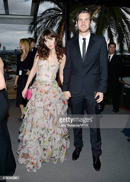 Actress Zooey Deschanel And Writer Jamie Linden Attend The  Vanity Fair Oscar Party Viewing Dinner