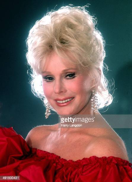 Actress Zsa Zsa Gabor poses for a portrait session in 1982 in Los Angeles California