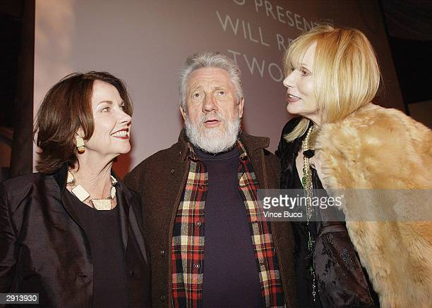 Actress/artist Sandra Stephenson artist Ed Moses and actress Sally Kirkland attend Previous Images a multimedia exhibition of Sandra Knight by the...