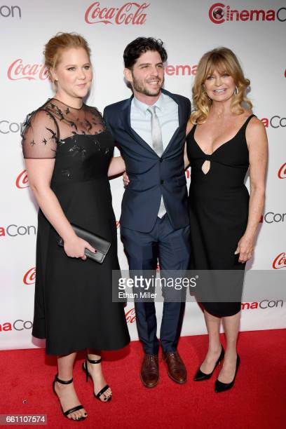 Actress/comedian Amy Schumer director Jonathan Levine and actress/producer Goldie Hawn recipient of the Cinema Icon Award attend the CinemaCon Big...