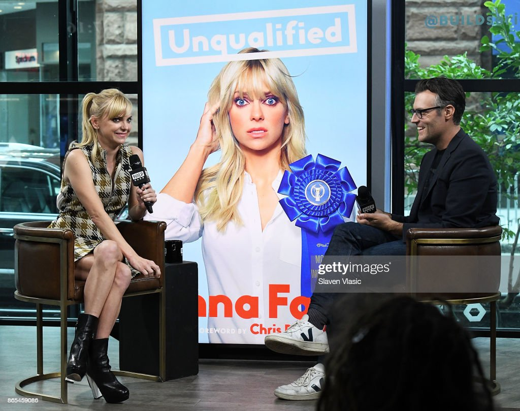 """Build Presents Anna Faris Discussing Her Podcast """"Unqualified"""" : News Photo"""