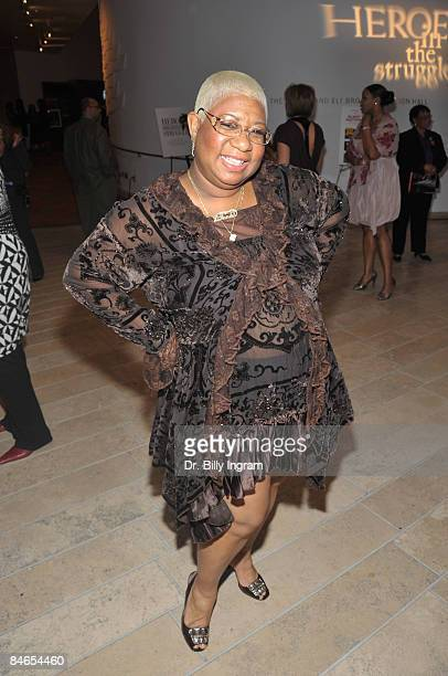 Actresscomedian Luenell arrives at the 8th Annual Heroes In The Struggle Gala at the Walt Disney Concert Hall on February 4 2009 in Los Angeles...