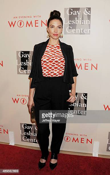 Actress/comedienne Whitney Cummings arrives at the 2014 'An Evening With Women' Benefiting LA Gay Lesbian Center at the Beverly Hilton Hotel on May...
