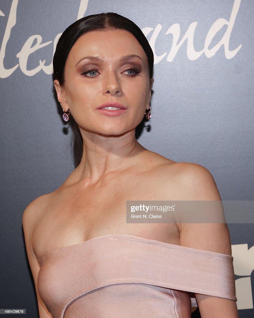 Irina Dvorovenko Nude Photos 23