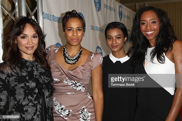 Actress/Dancer Mayte Garcia TV Personality Daphne Wayans Jolie Ivory Imani Wayans and actress Neferteri Shepherd attend the Single Mom's Awards held...