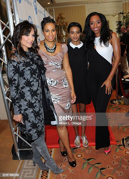 Actress/Dancer Mayte Garcia TV Personality Daphne Wayans Jolie Ivory Imani Wayans and actress Neferteri Shepherd arrive for the Single Mom's Awards...