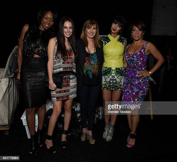 Actresses Amanda Warren Chloe Bridges designer Nicole Miller Jackie Cruz and Selenis Leyva pose backstage before the Nicole Miller show during...