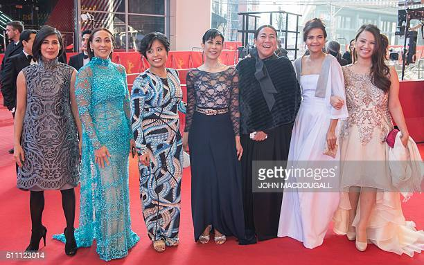 Actresses Angel Aquino Cherie Gil Hazel Orencio Susan Africa an unidentified guest Alessandra De Rossi and Bianca Balbuena pose prior to the premiere...