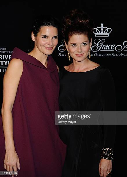 Actresses Angie Harmon and Debra Messing arrive at the 2009 Rodeo Drive Walk of Style Awards Ceremony October 22 2009 in Beverly Hills California