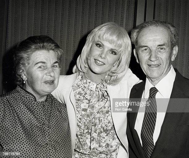 Actresses Ann Jillian and parents attending the screening of 'Mae West' on April 21 1982 at the Director's Guild Theater in Hollywood California