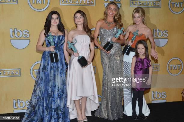 Actresses Ariel Winter Sarah Hyland Sofía Vergara Julie Bowen and Aubrey AndersonEmmons pose in the press room during the 20th Annual Screen Actors...