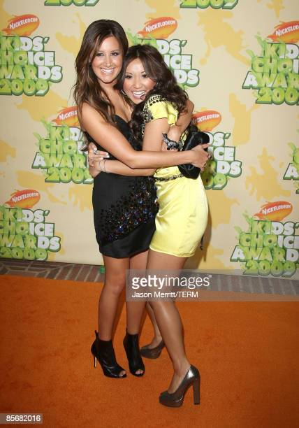 Actresses Ashley Tisdale and Brenda Song arrive at Nickelodeon's 2009 Kids' Choice Awards at UCLA's Pauley Pavilion on March 28 2009 in Westwood...