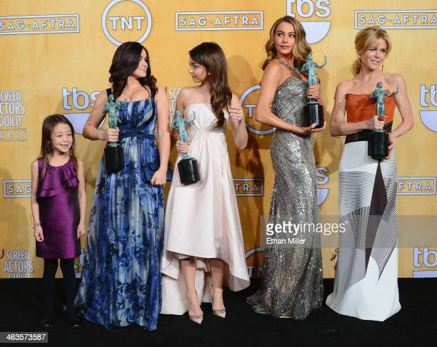 Actresses Aubrey AndersonEmmons Ariel Winter Sarah Hyland Sofia Vergara and Julie Bowen winners of the Outstanding Performance by an Ensemble in a...