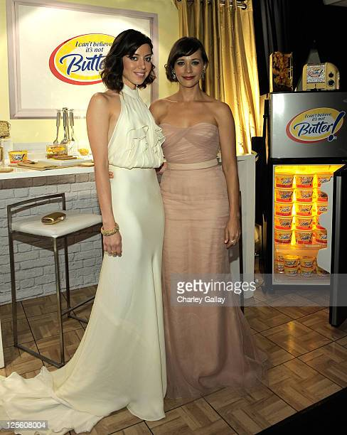Actresses Aubrey Plaza and Rashida Jones attend the I Can't Believe It's Not Butter Toast Bar in The HP Touchsmart Gift Lounge backstage at the Nokia...