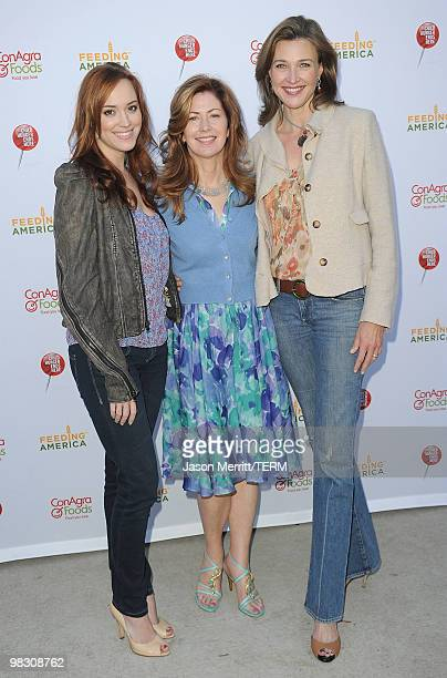 Actresses Brenda Strong Dana Delany and Andrea Bowen attend the celebrity rally on ABC's Wisteria Lane to raise awareness about child hunger on April...