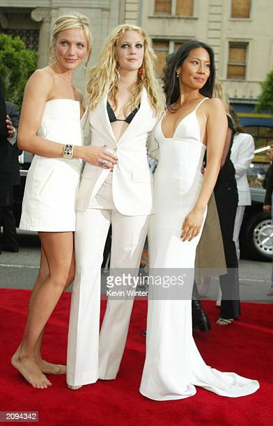 Actresses Cameron Diaz Drew Barrymore and Lucy Liu attend the premiere of Columbia Pictures' film Charlie's Angels 2 Full Throttle at the Grauman's...