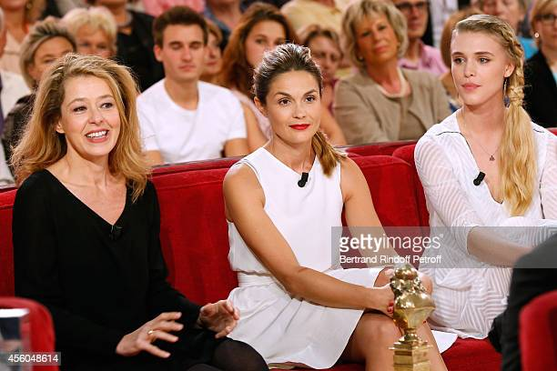 Actresses Charlotte Kady Barbara Schulz and Gaia Weiss present the Theater piece 'King Kong Theorie' during the 'Vivement Dimanche' French TV Show at...