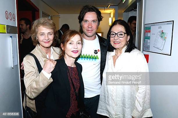 Actresses Charlotte Rampling Isabelle Huppert Rufus Wainwright and singer Nana Mouskouri attend the concert of 'Rufus Wainwright' at Salle Pleyel on...